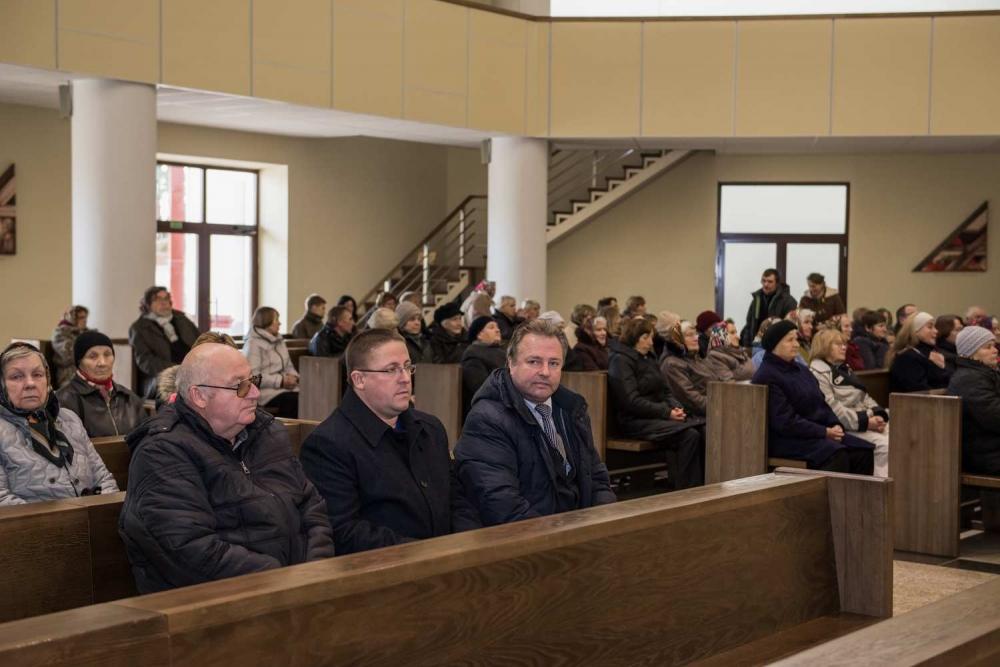 Šv. Mišios už visus neseniai konsekruotos bažnyčios mirusius geradarius